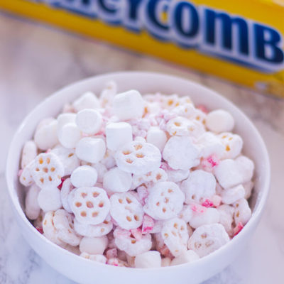 HoneyComb Peppermint Puppy Chow